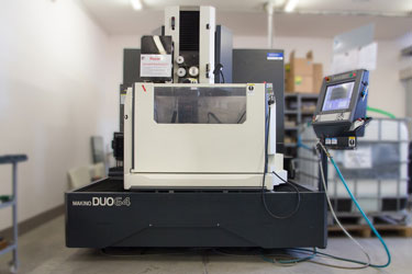Wire-cut EDM Makino DUO64 X/Y/Z/U/V: 650/400/420/±101/±101